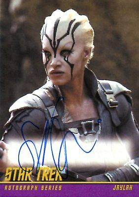 Star Trek Beyond CLASSIC DESIGN AUTOGRAPH CARD of SOFIA BOUTELLA Jaylah