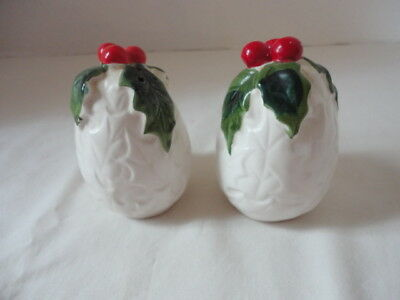 Vintage Lefton White Holly Berry Christmas Holiday Salt & Pepper Shakers # 6061