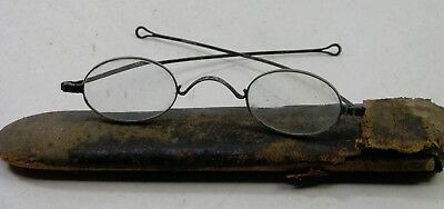 Early Antique Pair Of Eyeglasses Glasses Specatcles W/case