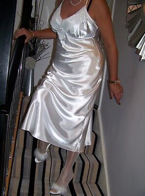 STUNNING ULTRA FEMME LUXURIOUS GLOSSY WHITE SATIN LACY NIGHTGOWN.'SECRETS' sz16.