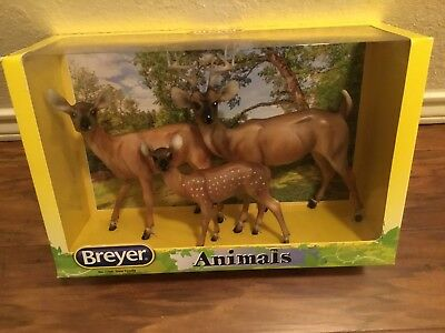 Breyer Deer Family #17341:9 scale traditional series