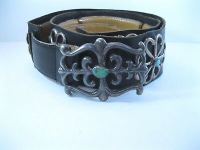 Lot 42 - Great Vintage Navajo Sandcast Silver & Turquoise Concho Belt