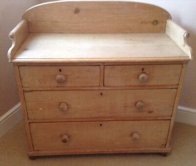 Gorgeous Antique Pine Small Chest Of Drawers. Can Arrange Courier If Required!