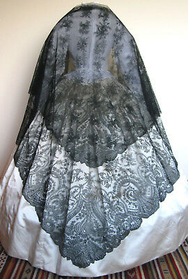 SUPERB HUGE Antique Victorian French Black Chantilly Lace Crinoline Shawl 1860s