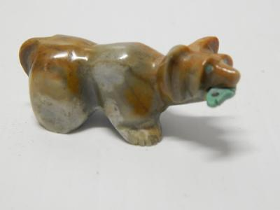 Xtra Finely Carved Zuni Indian Mtld Stone Fetish Bear Turquoise Fish In Mouth A+