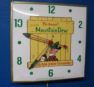 Vintage Pam Advertising MOUNTAIN DEW Lighted Clock