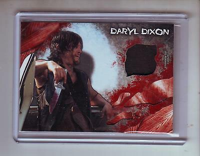 Topps The Walking Dead Survival Box Shirt Relic Daryl Dixon