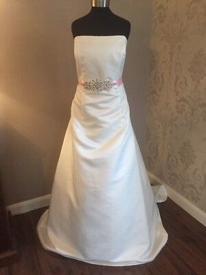 RRP £650 Size 18 Wedding Dress With Removable Diamante Pink Belt