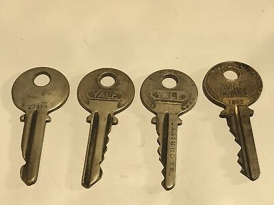 Lot Of 4 Authentic Antique Vintage Yale & Towne MFG Paracentric Ornate Keys.