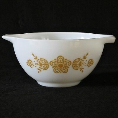Pyrex USA Cinderella 500ml/1pt  Mixing Bowl in Butterfly Gold Pattern c.1960s
