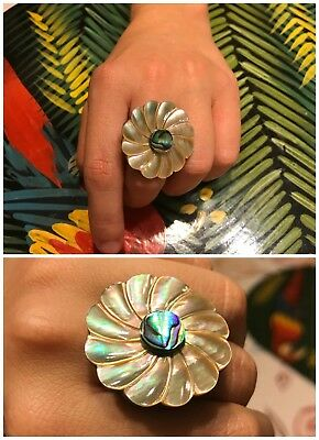 Size 8 Retro Shell Flower Wood Carved Statement Ring
