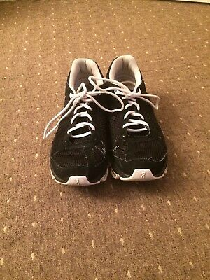 On Cloud Running Shoes UK Size 5 Black