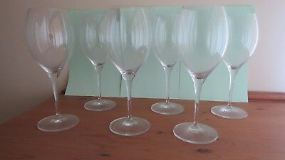 Stunning set of 12 quality Villeroy and Boch wine/water glasses.