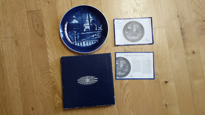 """Royal Copenhagen 2001 Watching the Birds 7"""" decorative Plate w/ box & papers NEW"""