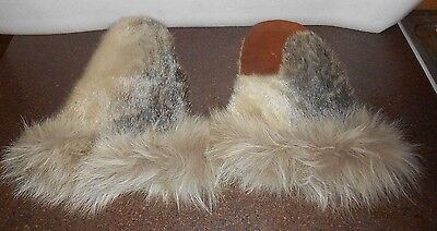 Vintage Harp Seal fur gloves made by Inuvialuit (Inuit)-. Warm & comfortable!