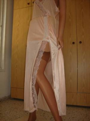 Vtg Glamorous Peach Pink Nylon & Deep Lace High Vent Full Length Nightgown 14-16
