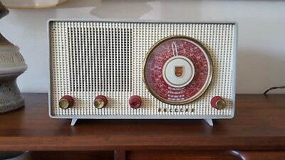 Vintage 1956 Philips Australia Model 172 Table Radio
