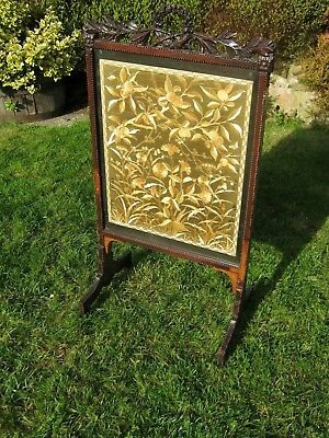 Firescreen in Carved Walnut with Silkwork Panel - Victorian