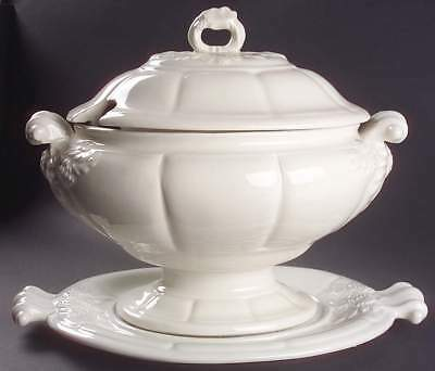 Red Cliff GRAPE Tureen & Underplate 6994034