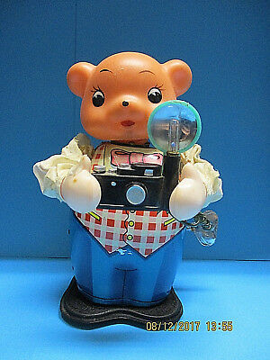 PHOTOGRAPHER MS-575 VINTAGE 50s TIN B/O TOY WORKING w/ FLASH LIGHT MADE IN CHINA