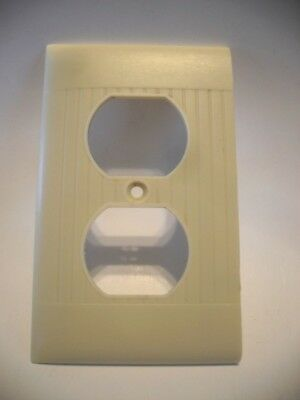 Vintage IVORY Ribbed DUPLEX OUTLET Wall Cover Plate Sierra Electric