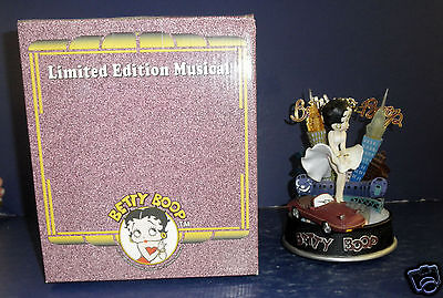 Stanton Arts Cool Breeze Betty Boop Musical- New in Box- #478155