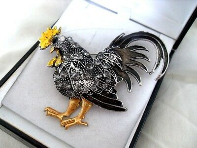 LARGE BLACK COCKEREL HEN BROOCH faux jet present farm CHICK chicken cock vintage