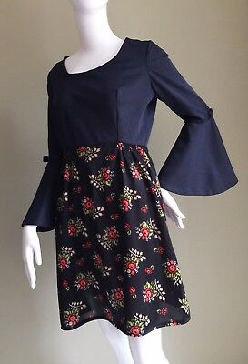 VINTAGE 60's Black FLORAL Bell SLEEVES Mini DRESS - vTG tWIGGY Retro - 12