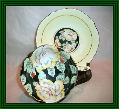 Paragon Late 1930s - WILD ROSE MOTIF - FLORAL & BLACK BOWL TEA CUP & SAUCER - NR