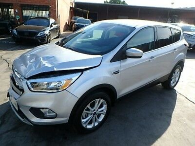 2017 Ford Escape SE 2017 Ford Escape SE 4WD Damaged Wrecked Repairable! Priced To Sell! Wont Last!