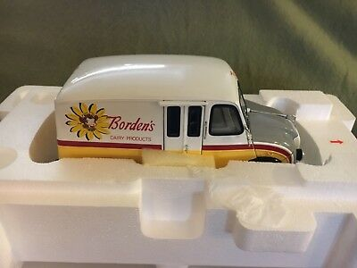 1950 Borden's Milk Truck 1:24 Scale Vintage NEW in box. Danbury Mint.