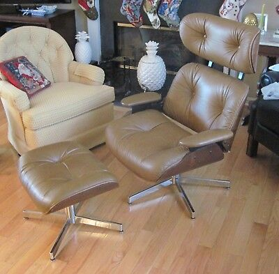Vintage Selig Mid-Century Modern Classic Eames Plywood Lounge Chair & Ottoman