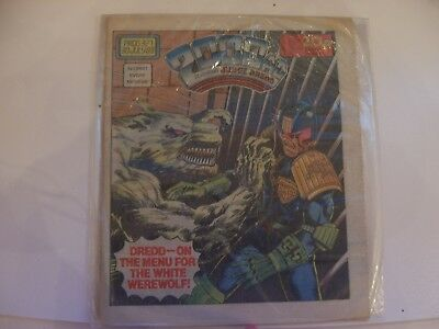 2000AD Featuring Judge Dredd No 327 1983 Excellent Condition