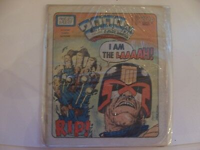 2000AD Featuring Judge Dredd No 328 1983 Excellent Condition