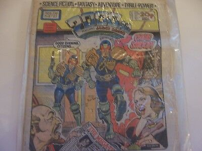 2000AD Featuring Judge Dredd No 338 1983 Excellent Condition