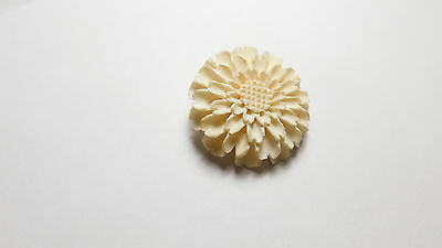 Vintage Gold Tone Metal Molded Off White Celluloid Sun Flower Brooch