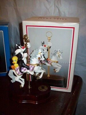 WB Looney Tunes Six Flags Sylvester Tweety Carousel Horse Music Box with box