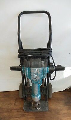 Makita HM1810 70 lb Breaker Hammer 15 Amp Concrete Electric Demo Jackhammer