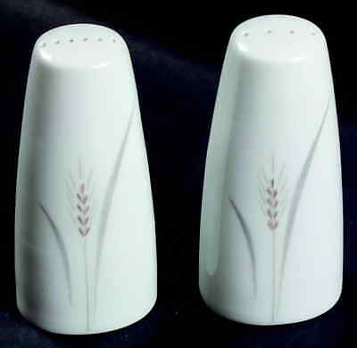 Fine China Of Japan PLATINUM WHEAT Salt & Pepper 6739543