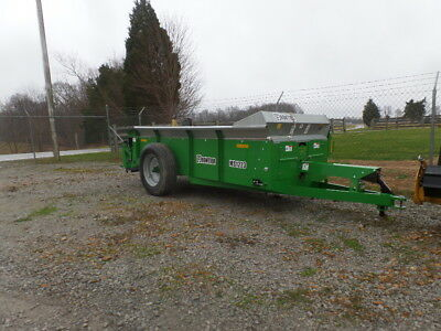 Frontier 1223 2016 Manure Spreader! Excellent Condition!