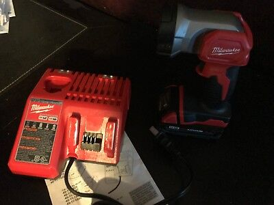 MILWAUKEE 2735-20 M18 LED 18 VOLT CORDLESS FLASHLIGHT, 2.0 Battery, and Charger