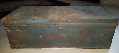 Vintage Medicine Day, Son & Hewitt's Lambing Chest Trunk Box Veterinary Chest