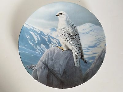 """""""The White Gyrfalcon"""" Majestic Birds Series Knowles Plate, Pamphlet, COA & Box"""