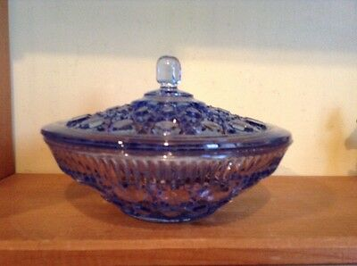 Nice vintage Indiana Glass Windsor Button ice blue candy dish with lid