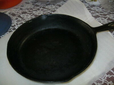 Antique Cast Iron Skillet # 7 Unknown Brand USED.