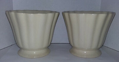 Vintage 175-5 Usa Brush Pottery Matching Set Of 2 Ruffled Top Vases/planters