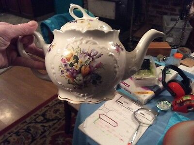 Crown Dorset Staffordshire England Teapot Bouquet Daffadils and multi flowered