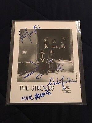 The Strokes Signed VERY RARE 8x10 B/W Press Photo ALL 5 MEMBERS!