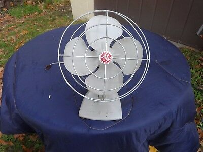 Vintage Ge General Electric Oscillating  Table Desk Fan