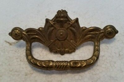 Single   Small Old Vintage  Antique  Cast Metal  Drawer Pull Handle  (91H)